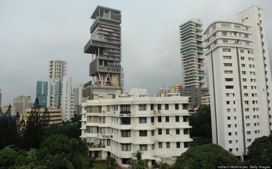 Antilia 03 - street view