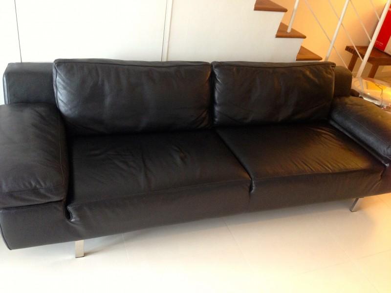 Great Domicil Sofa .